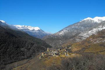 Val d'Aran. Pyrénées. Randonnées à pied. Voyages. Chiloé. www.chlioe-voyage.fr